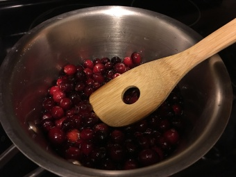 cranberry sauce cooking